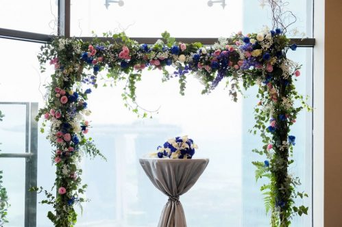 Floral Arch (FROM $650 ONWARDS) (WED08)