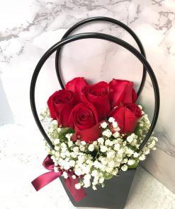 Roses In Purse (R102)