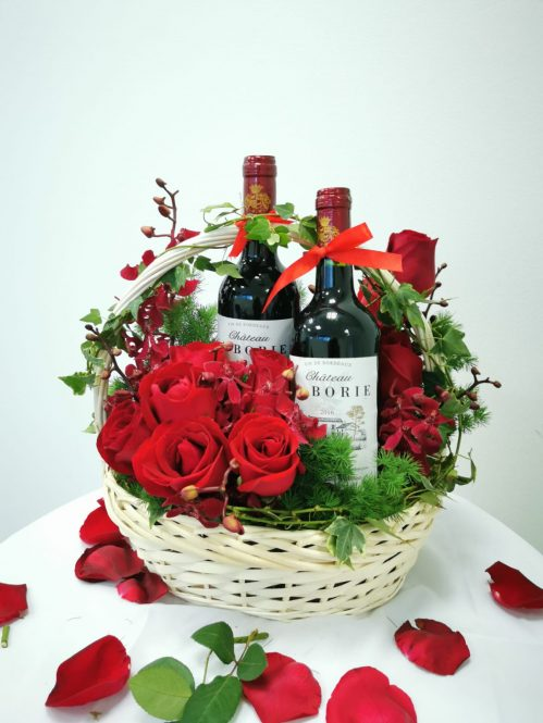 Roses and Wines Christmas Hamper (H39)