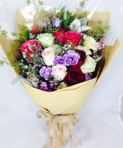 Assortment-of-Colourful-Roses-Bouquet