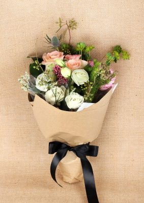Freestyle Bouquet in Wrapping – Rustic