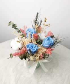 New preserved and Dried Arrangement